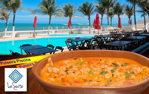 Pra comer bem e se divertir na Praia do Pacheco! Desconto em Prato Principal para 2 pessoas (Filé de Peixe OU Carne de Sol OU Camarão) + 2 Pulseiras para Acesso às Piscinas, a partir de R$59,90, no La Suíte Praia Hotel.