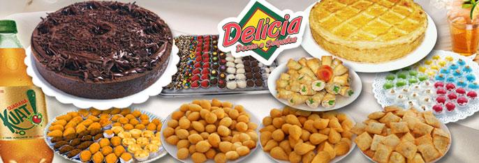 Kit Festa: Torta doce para 40 pessoas + 1 Torta de Frango (1,5kg) + 300 salgados + Refri por R$99,99 OU Torta doce para 40 pessoas + 1 Torta de Frango (1,5kg) + 400 salgados + 100 tortinhas ou docinhos + Refri por R$119,90.