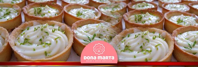 Surpreenda seus convidados com essas delícias no seu evento! 100 Tortinhas Gourmet (+ 20 Tortinhas de brinde!) e você escolhe os sabores: doce de leite, morango, limão e maracujá por R$59,90 na Dona Marta Bolos e Doces Especiais.